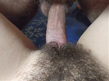 GUY CUMS FAST ON HAIRY PUSSY