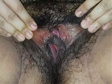 Almost squirt fingering my wet hairy pussy