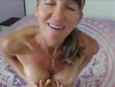 mature andee  hairy